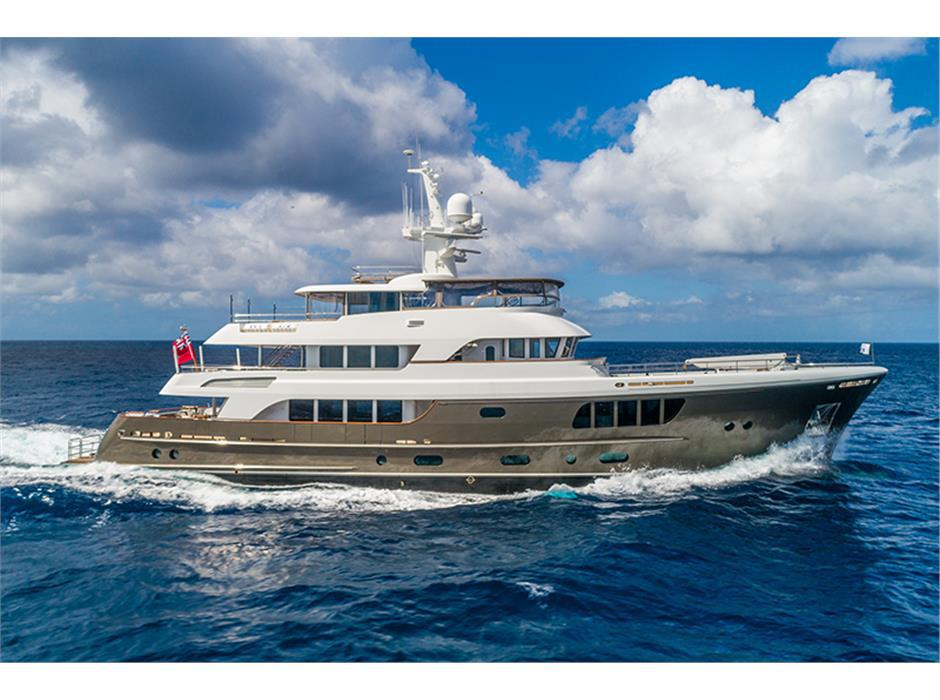 100 Foot Yacht >> Power Yachts For Sale 100 Feet Plus Seaton Yachts Sales